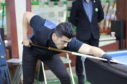 Iranian rotation champion Sina Valizadeh playing with this cue