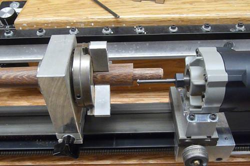 Live threading wood with a cue lathe